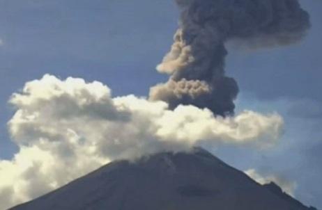 Извержение вулкана в Мексике 18 января 2016