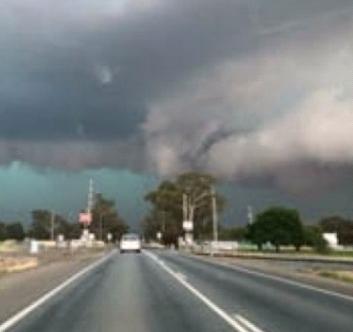 Торнадо в Австралии 01 ноября 2015