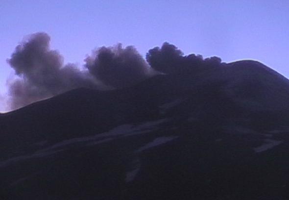 Извержение вулкана в Италии 12 декабря 2015