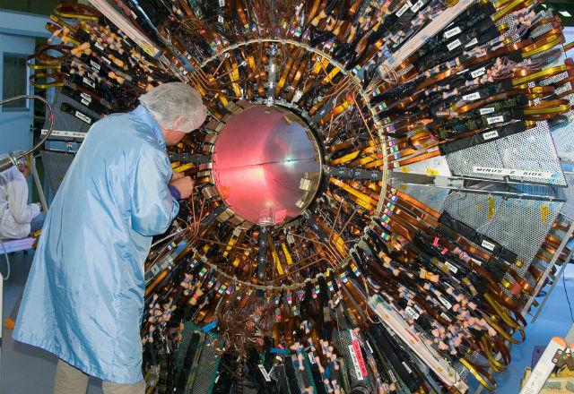 Существует ли бозон Хиггса? На что учёные тратят свою жизнь?