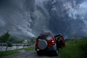Извержение вулкана в Мексике 18 сентября 2015