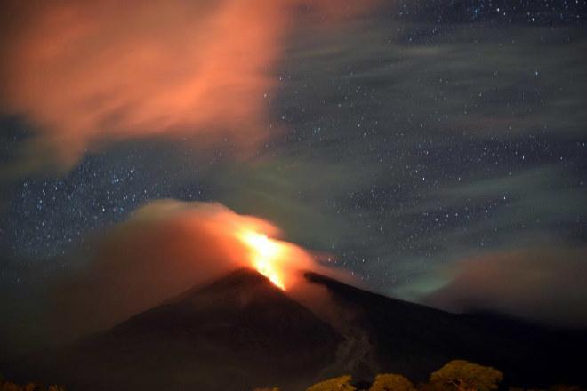 Извержение вулкана в Гватемале 30 ноября 2015