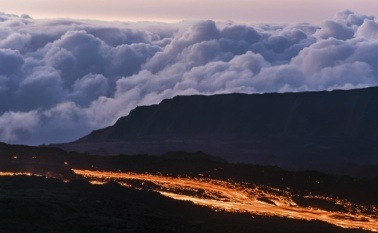Извержение вулкана на острове Реюньон 24 августа 2015