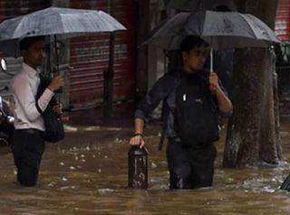 Наводнение в западном побережье Индии 19 июня 2015