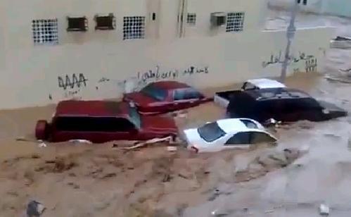 Наводнение в Саудовской Аравии 29 октября 2015