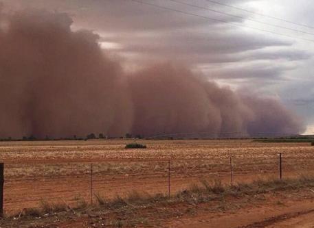 Пыльные бури в Африке 14 января 2016