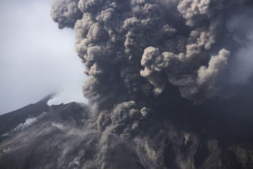 Извержение вулкана в Гватемале 01 марта 2016