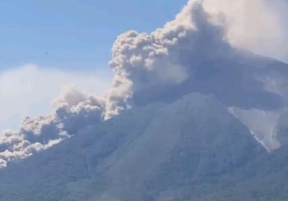 Извержение вулкана в Гватемале 21 января 2016