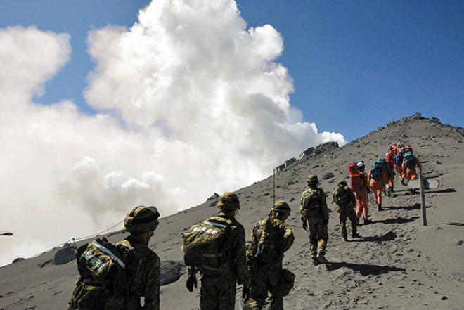 Повышение активности вулкана Зао в Японии 01 декабря 2015