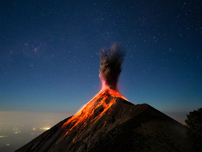 Извержение вулкана в Гватемале 10 ноября 2015