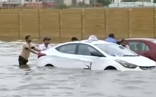 Наводнение в Саудовской Аравии 17 ноября 2015