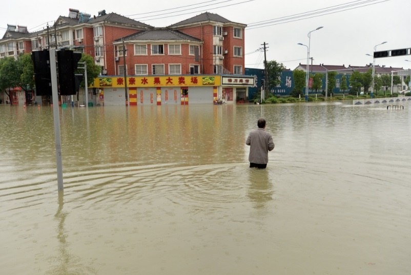 На юг Китая снова обрушились дожди...