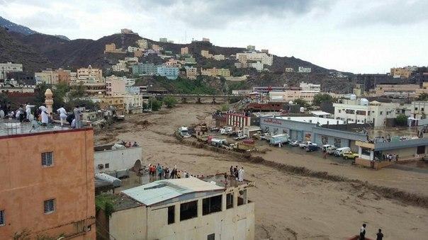 Наводнение в Саудовской Аравии 13 апреля 2016