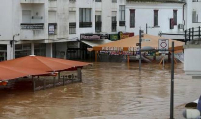 Наводнение в Португалии 01 ноября 2015