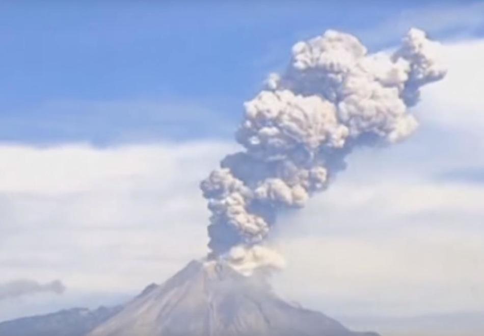 Извержение вулкана в Мексике 29 декабря 2015