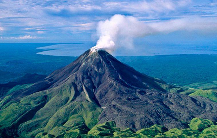 Извержение вулкана в Папуа-Новая Гвинея 01 марта 2016