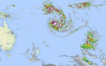 Ураган у берегов островов Кука 17 января 2016