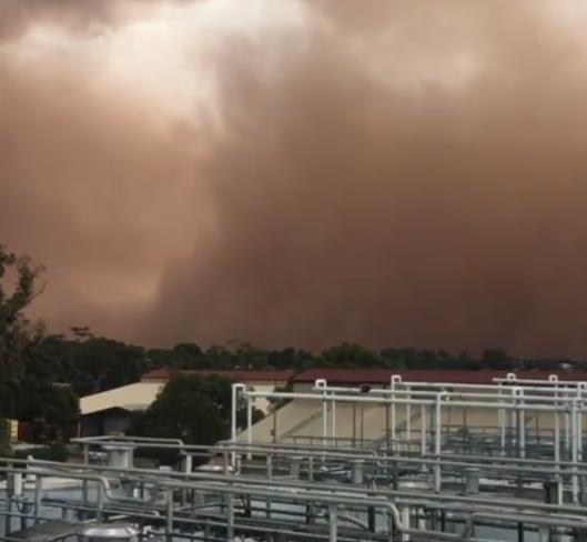 Песчаные бури в Австралии 17 марта 2016