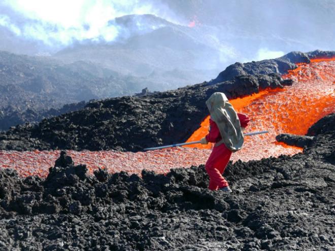 Извержение вулкана на острове Реюньон 02 сентября 2015