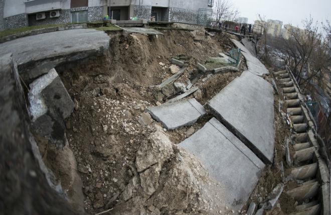 Оползень в Украине 01 декабря 2015