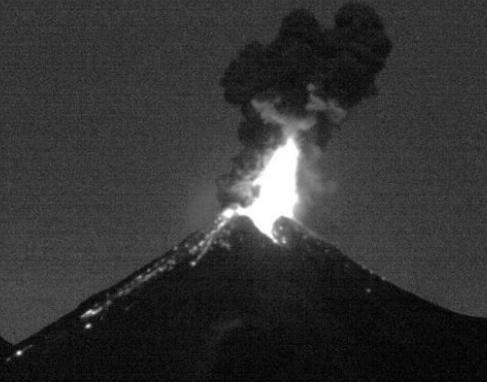Извержения вулкана в Мексике 09 декабря 2015