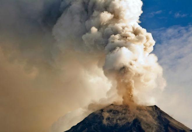 Извержение вулкана на Камчатке 25 марта 2016