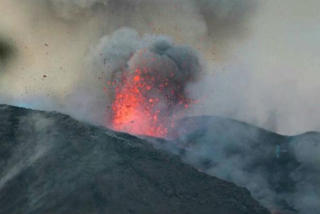 Извержение вулкана в Никарагуа 01 декабря 2015
