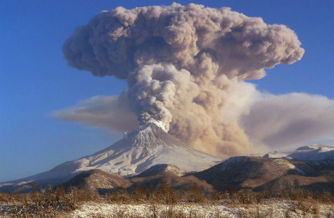 Извержение вулкана на Камчатке 24 октября 2015
