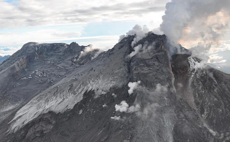 Извержение вулкана в Колумбии 09 марта 2016