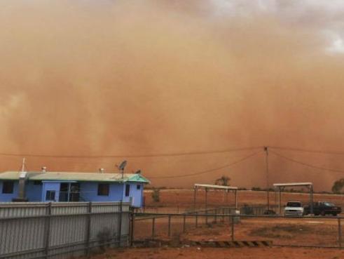 Песчаная буря в Австралии 15 декабря 2015