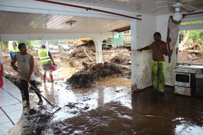Наводнение на острове Таити 14 декабря 2015