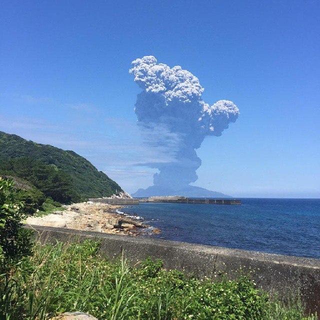 Извержение вулкана Синдакэ, Япония