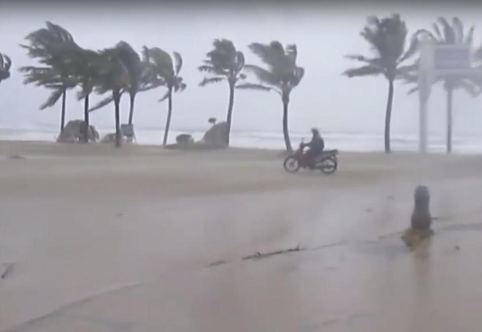 Шторм во Вьетнаме 14 сентября 2015