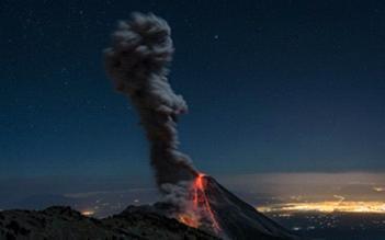 Извержение вулкана в Мексике 20 августа 2015